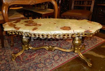 Антикварная мебель всегда в моде