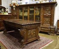 Кабинет в стиле Ренессанс (книжный шкаф и стол)