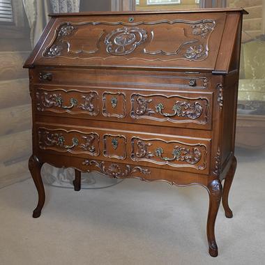 Бюро в стиле Луи XVI