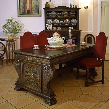 Антикварный стол в стиле ренессанс с 3 ящиками