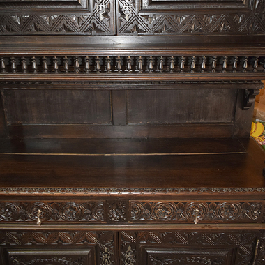 Стол обеденный в бретонском стиле