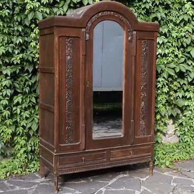Платяной шкаф в стиле арт-деко
