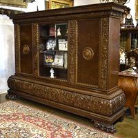 Антикварный книжный шкаф в стиле нео-ренессанс