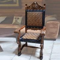 Кресло в стиле испанский ренессанс