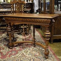 Столик консольный в стиле ренессанс