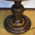 Торшер со столиком в стиле Тюдор