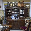 Стол в стиле ренессанс со львами