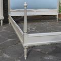 Кровать в стиле Луи XVI