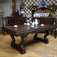 Большой обеденный стол в стиле ренессанс