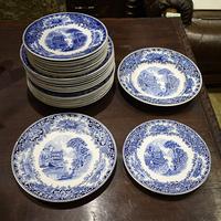 Комплект тарелок  Castillo из 32 -х штук