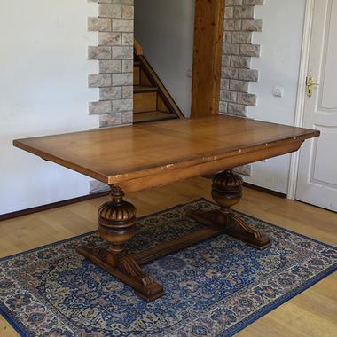 Большой обеденный стол в стиле Тюдор